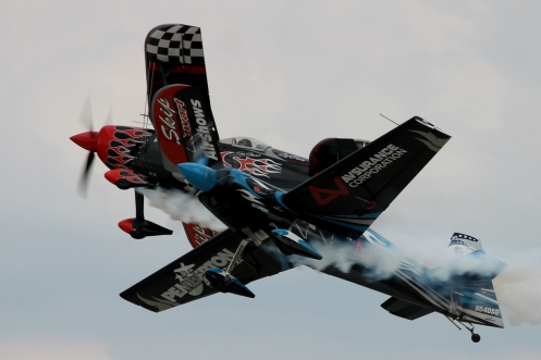 This display redefines the formation takeoff. This impressive maneuver is demonstrated here by Skip Stewart and Melissa Pemberton.